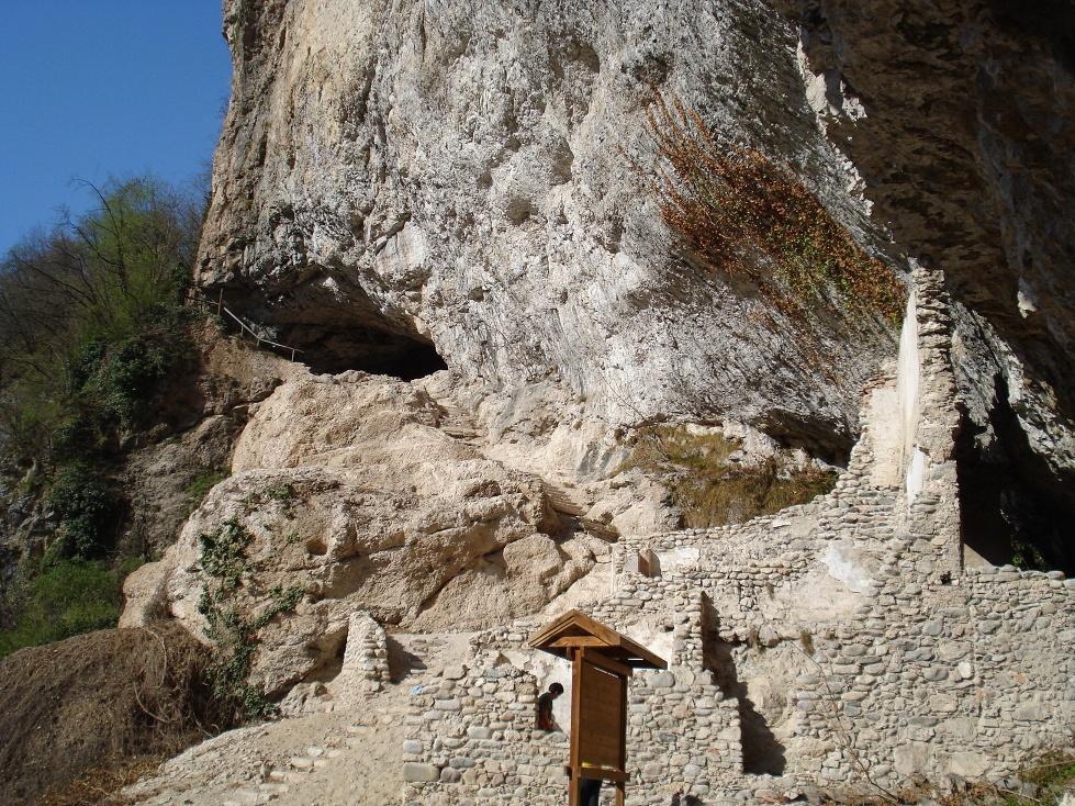 Eremo di Santa Giustina (foto coroparrocchialetassullo.it)