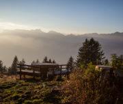 Tavolo con vista sulla Valle dell'Adige al Rifugio Potzmauer, foto di Alessandro Cristofoletti