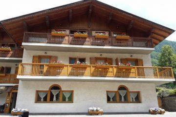 alpen-hotel-rabbi-esterno